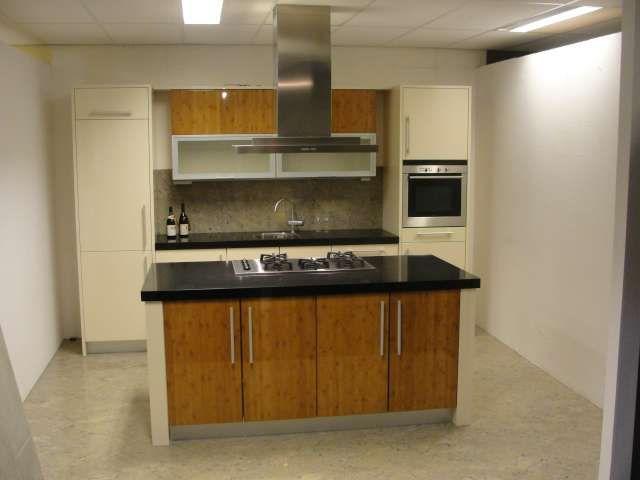 Moderne Keuken Met Eiland : keukensite van Nederland Moderne kookeiland keuken [44788