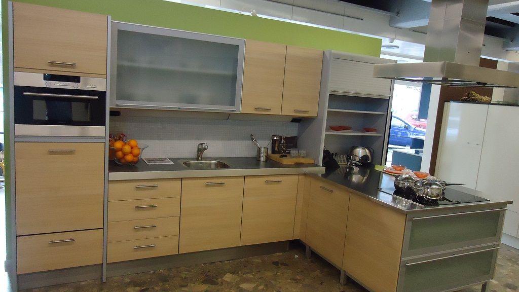 Keuken Plint Hoek : keukensite van Nederland Licht eiken/titaan hoek keuken [45352