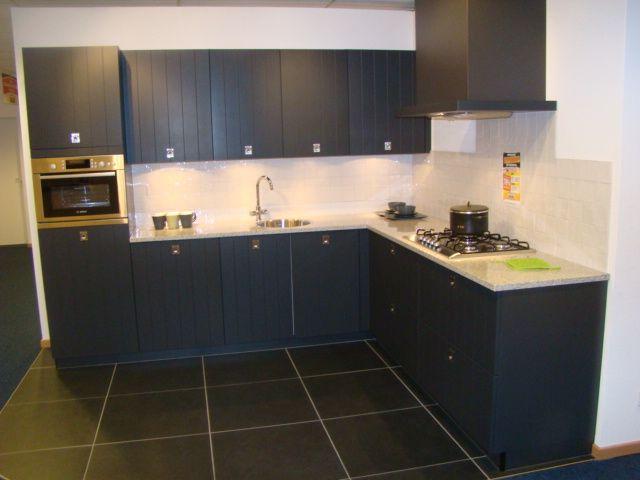 Modern Zwart Keuken : Keukentrack allergrootste keukensite van nederland modern