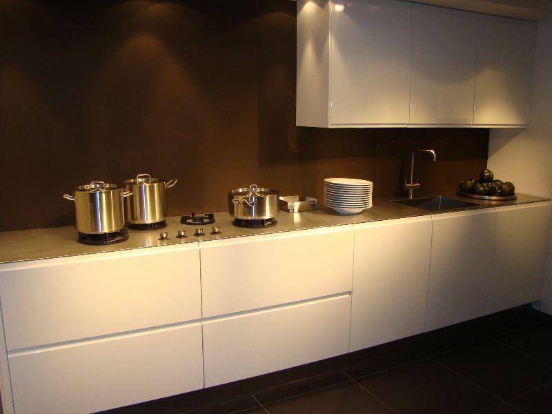Keuken Opbergkasten : van Nederland Rechte keuken inculsief opbergkasten [45524