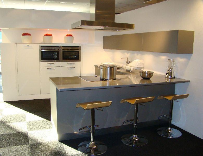 Allergrootste keukensite van nederland moderne keuken met bargedeelte 45446 - Afbeelding moderne keuken ...