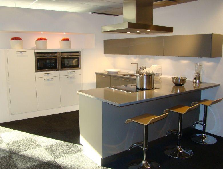 Moderne keuken kleur ~ consenza for .
