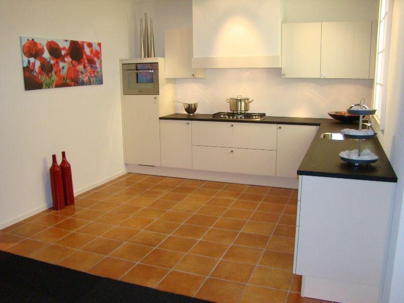 Keuken Kleur Magnolia : keukensite van Nederland Landelijke keuken in magnolia wit [45453