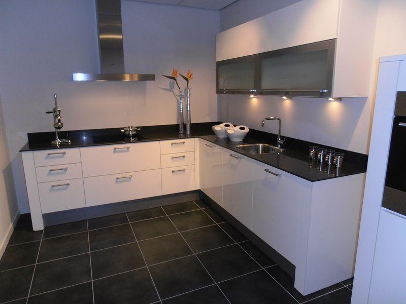Design Witte Keuken : keukentrack nl Allergrootste keukensite van Nederland