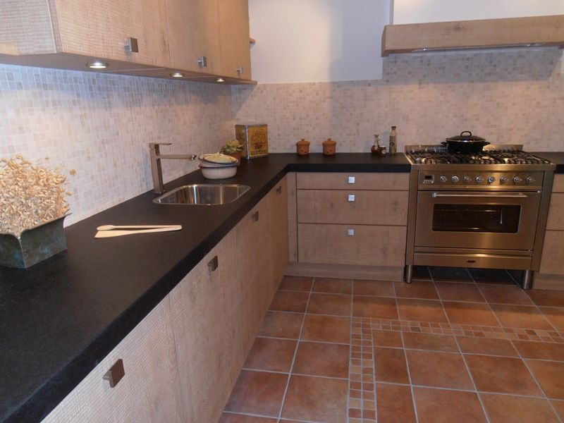 Keuken Eiken Fineer : eiken fineer keuken met boretti fornuis 45551 kleur eiken cornwall