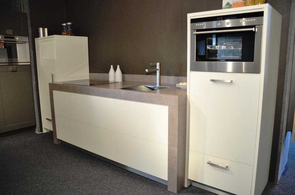 Allergrootste keukensite van nederland keller rechte strakke keuken - Modern keukenmodel ...