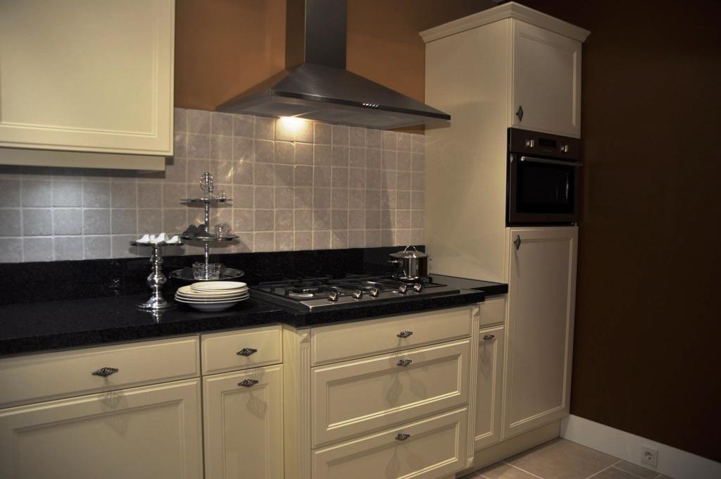 Allergrootste keukensite van nederland keller rechte keuken firenze 48892 - Foto van kleine keuken amenagee ...