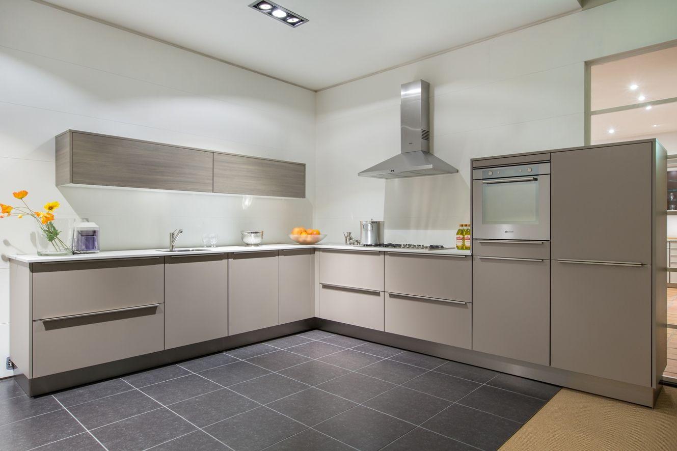 Allergrootste keukensite van nederland luxe siematic design hoekkeuken 48590 - Modern keukenmodel ...