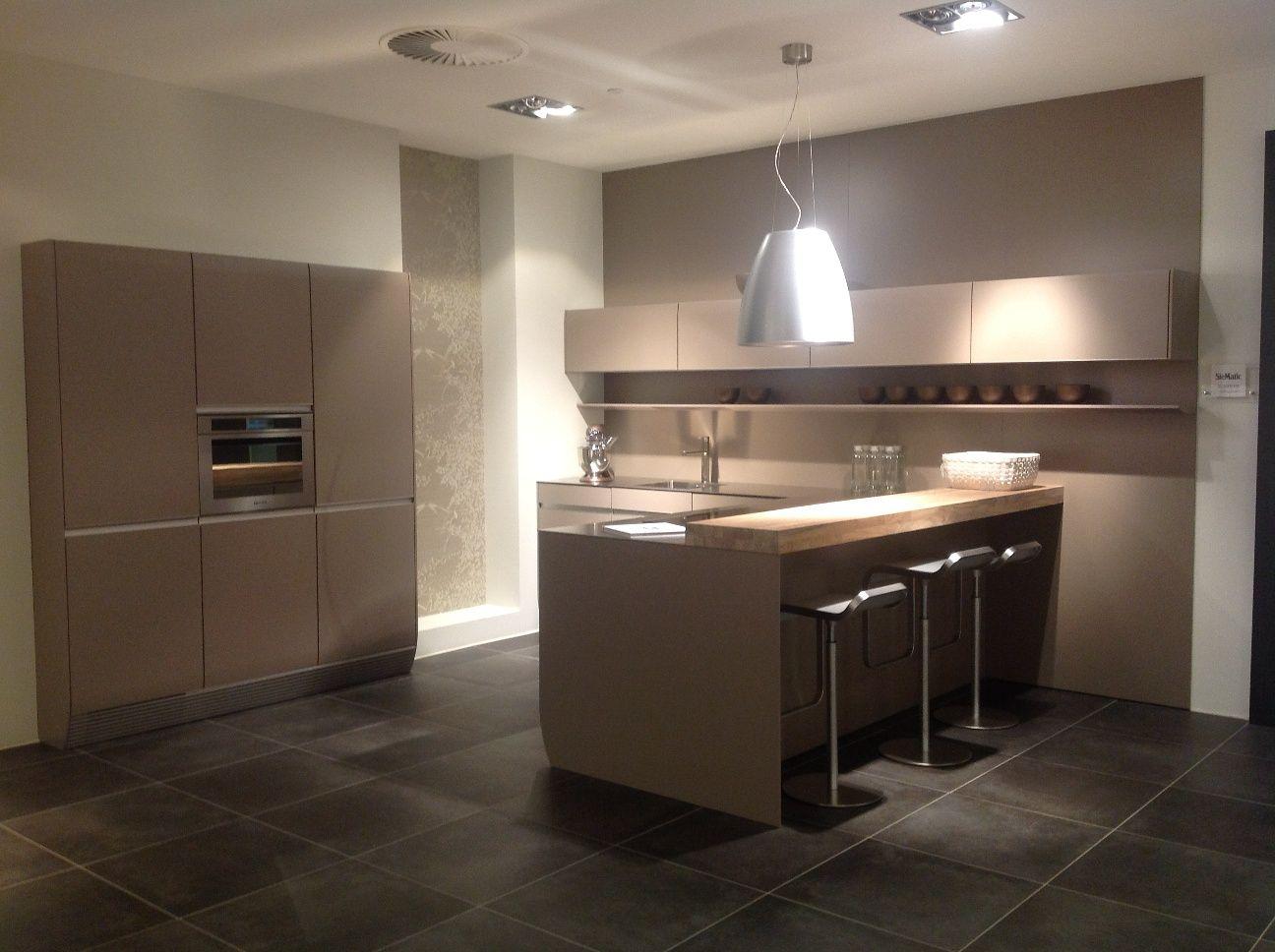 allergrootste keukensite van nederland siematic luxe designkeuken greeploos. Black Bedroom Furniture Sets. Home Design Ideas