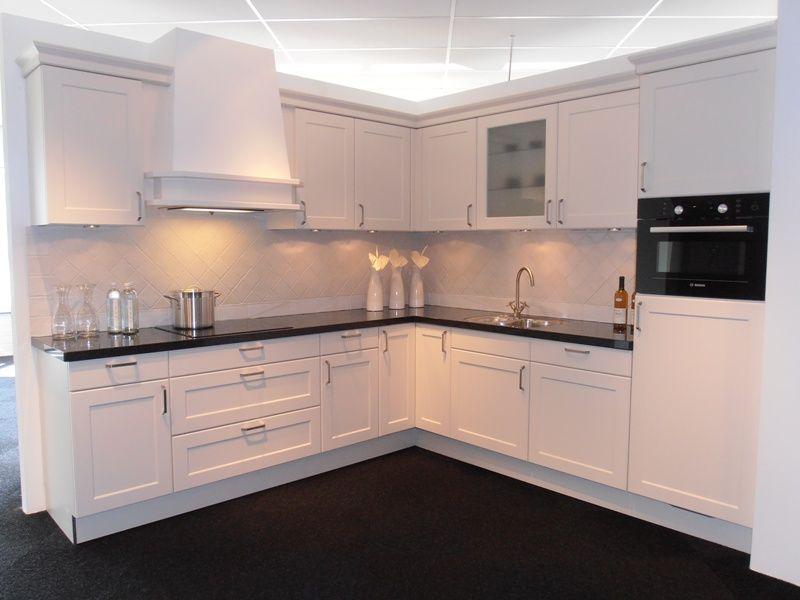 Keuken Afzuigkap Inbouw : keukensite van Nederland Landelijke keuken in magnolia mat [45456