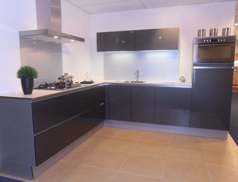 Keuken Van Antraciet : Antraciet kleur keuken keuken antraciet met donker hout bruggink