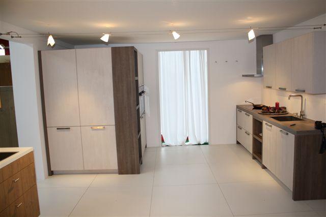 ... van Nederland  Keuken houtfineer met kastenwand 18.3 [50993
