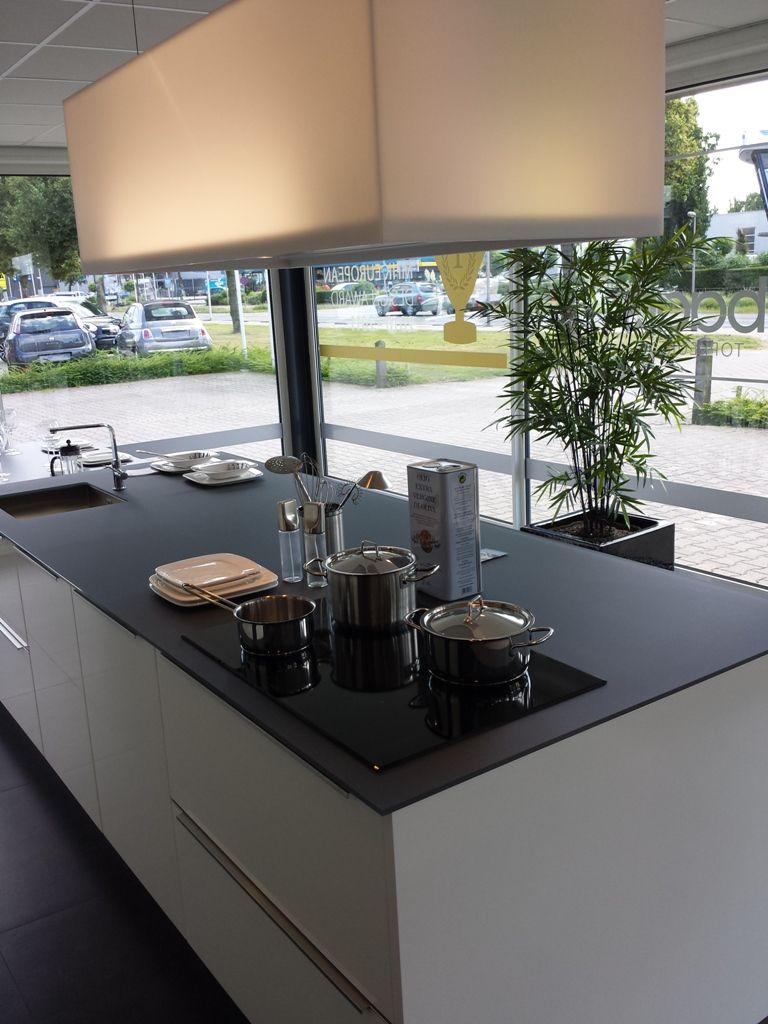 Keuken Grijs Hoogglans : keukensite van Nederland Exclusieve hoogglans keuken [43054