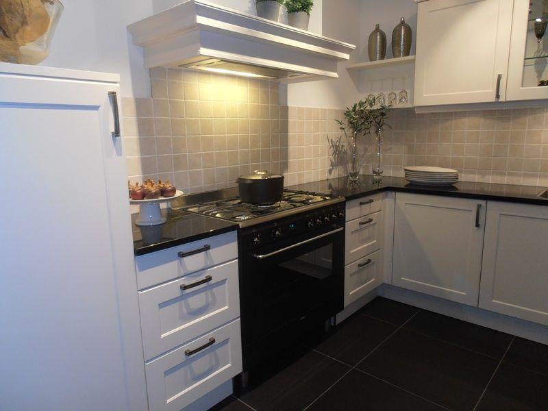 Keuken Kleur Magnolia : van Nederland Landelijke keuken in kleur magnolia mat [50425