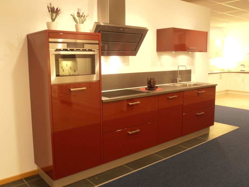 Allergrootste keukensite van nederland rechte hoogglans rode keuken 50743 - Aardewerk rode keuken ...