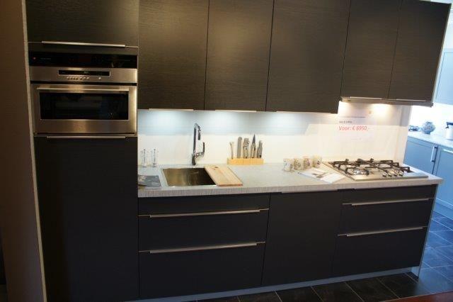 Landelijke Keuken Antraciet : keukensite van Nederland Antraciet grijze hout keuken. [53460