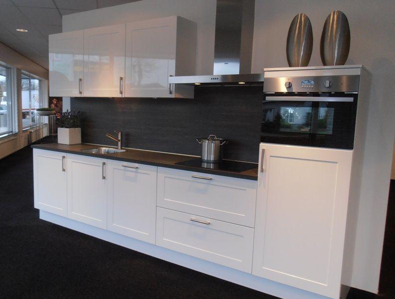 Keuken Landelijk Wit : keukensite van Nederland Landelijke hoogglans keuken in wit [50149