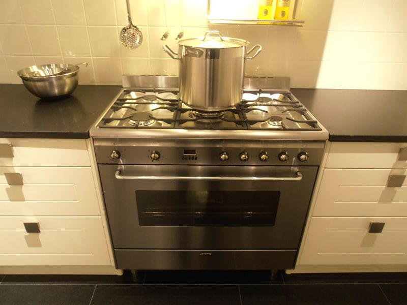 Landelijke Keuken Fornuis : keukentrack nl Allergrootste keukensite van Nederland