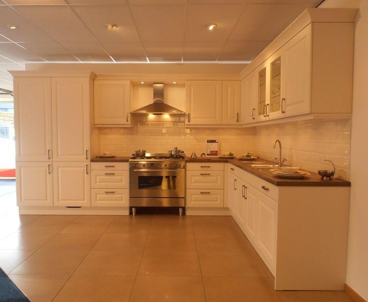 Keuken Kleur Magnolia : van Nederland Klassieke keuken in kleur magnolia mat [50640