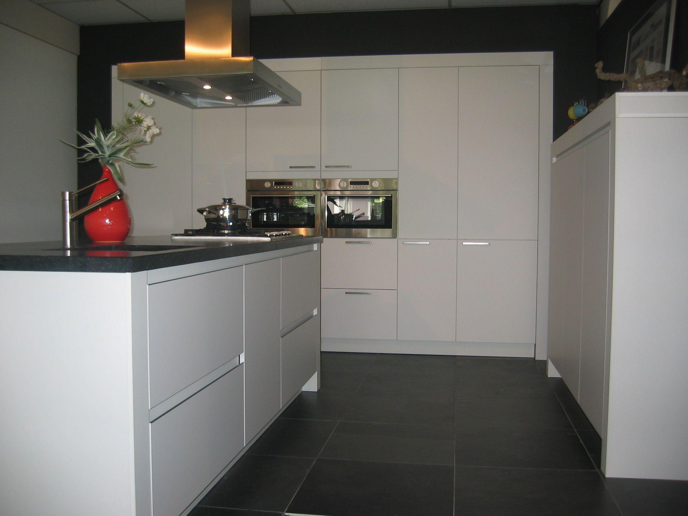 Greeploze Witte Keuken : Bemmel kroon keuken