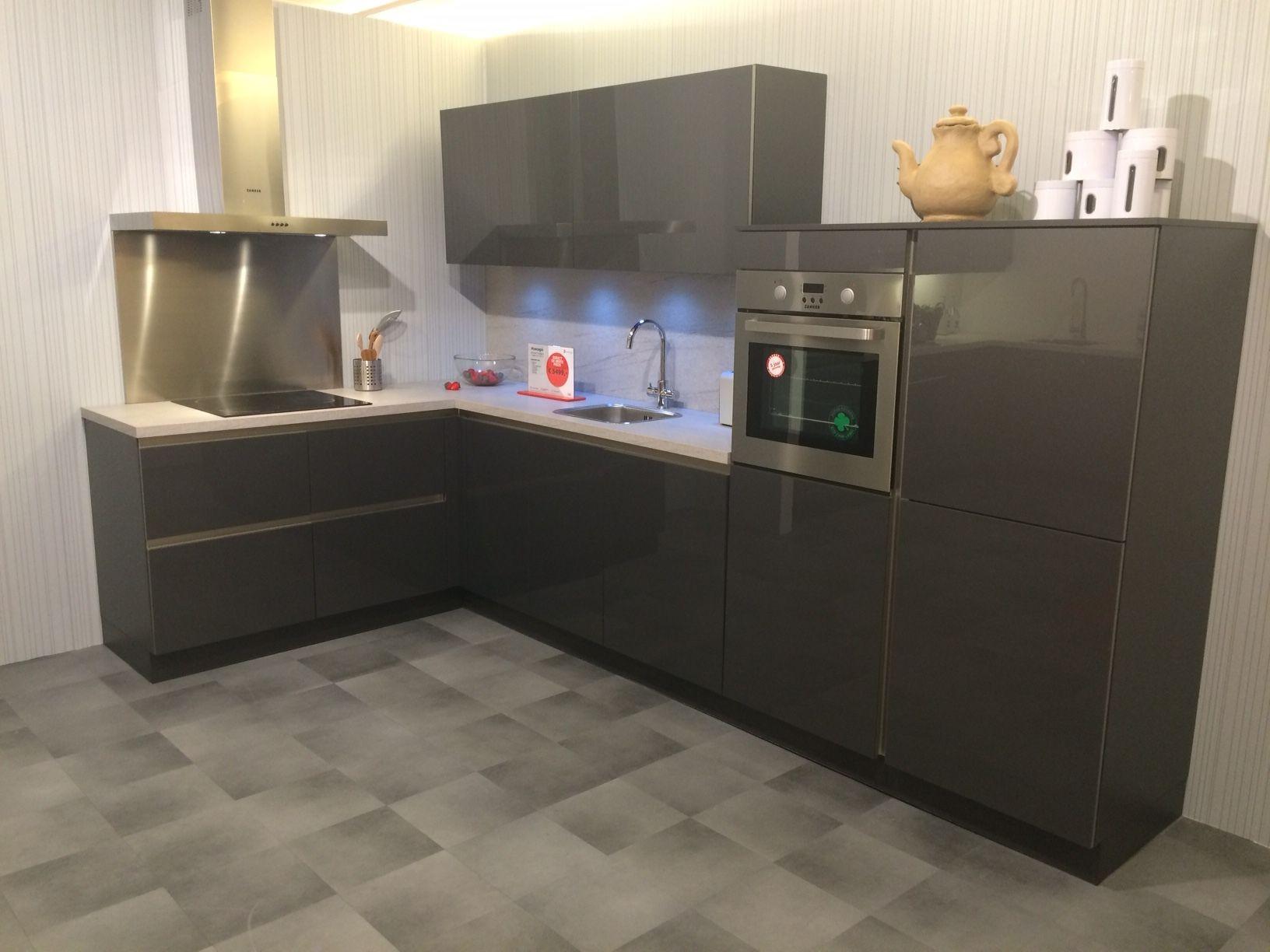 Keuken Antraciet Hoogglans : keukensite van Nederland Schuller Murano Antraciet [54351