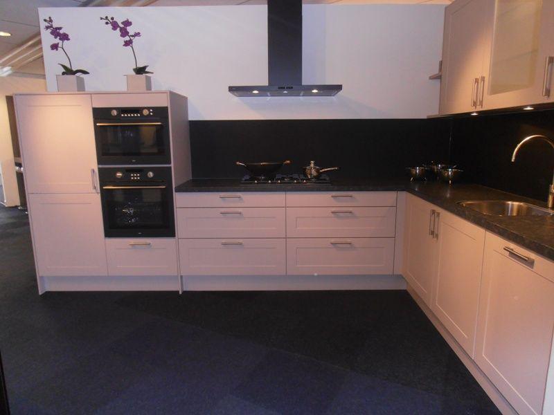 Allergrootste keukensite van nederland landelijke keuken in de kleur kashmir - Kleur voor de keuken ...