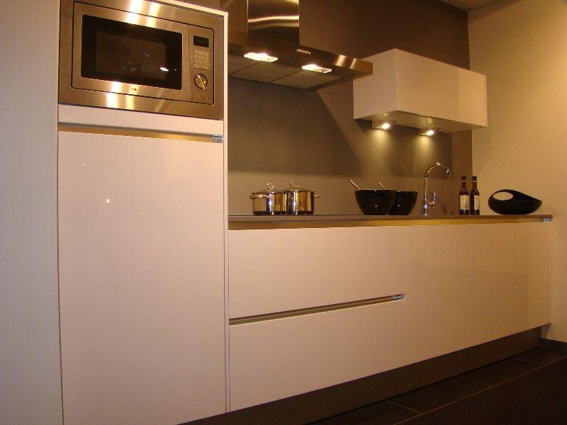 Moderne greeploze rechte keuken ~ consenza for .