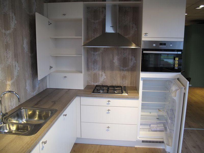 allergrootste keukensite van nederland nobilia flair magnolia 48003. Black Bedroom Furniture Sets. Home Design Ideas