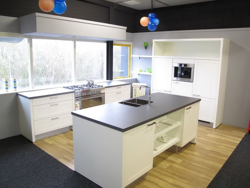 ... keukensite van Nederland  Moderne eiland keuken met kaderdeur [28093
