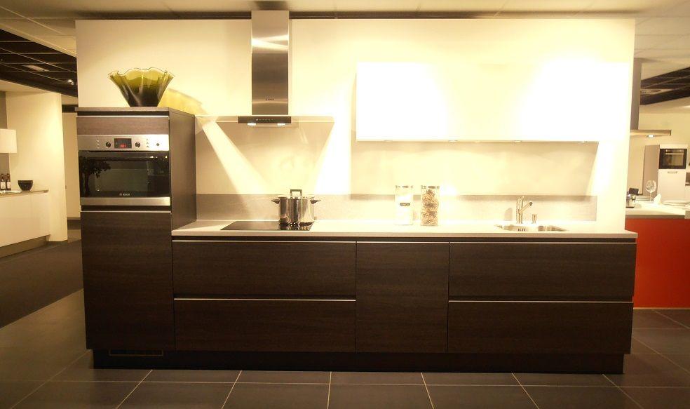 Keuken Eiken Zwart : Interieurbouw keuken op maat modern in zwart design