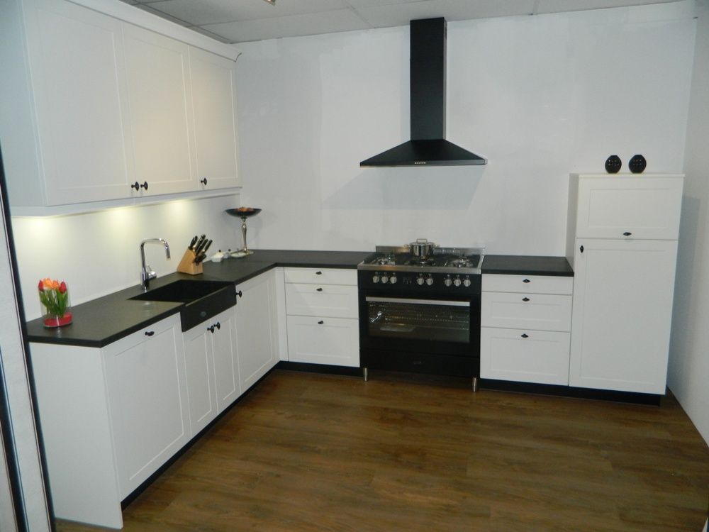 Allergrootste keukensite van nederland klassieke keuken met 90cm fornuis 54219 - Meubels keuken beneden cm ...