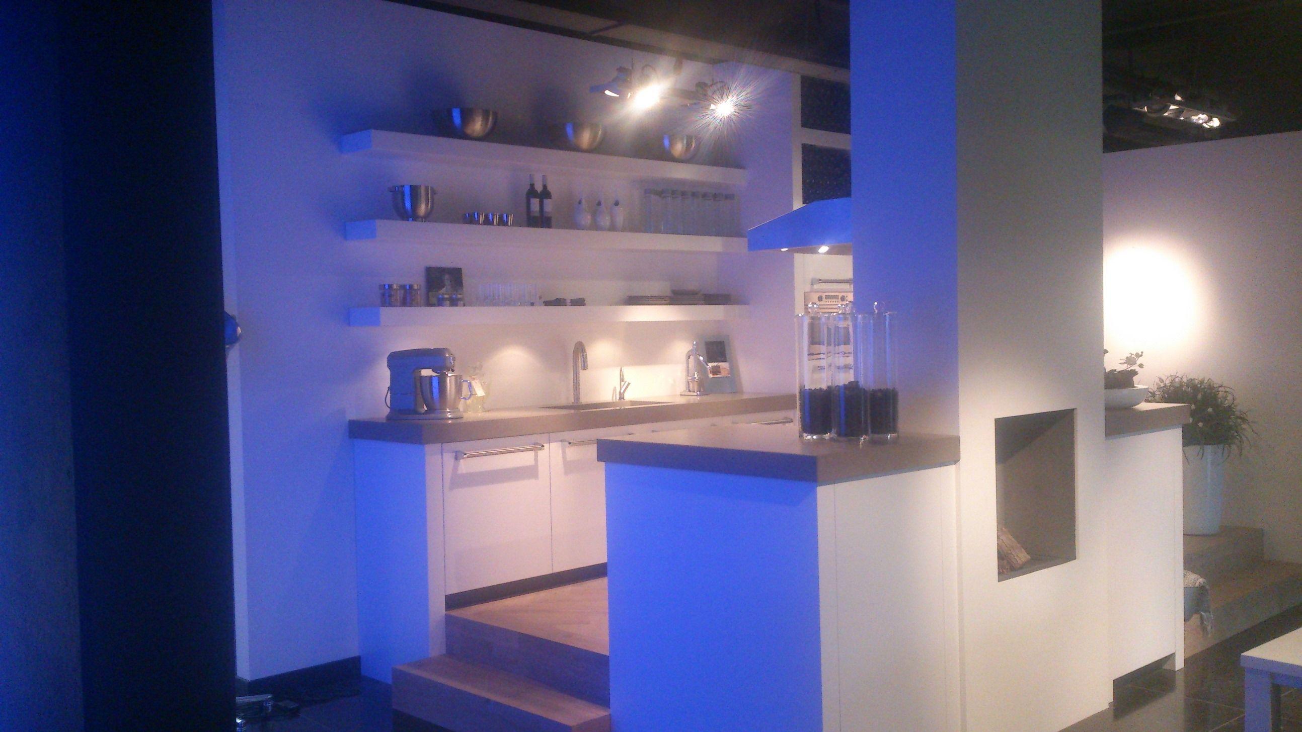 Allergrootste keukensite van nederland handgemaakte eilandkeuken met houten - Keuken originele keuken ...