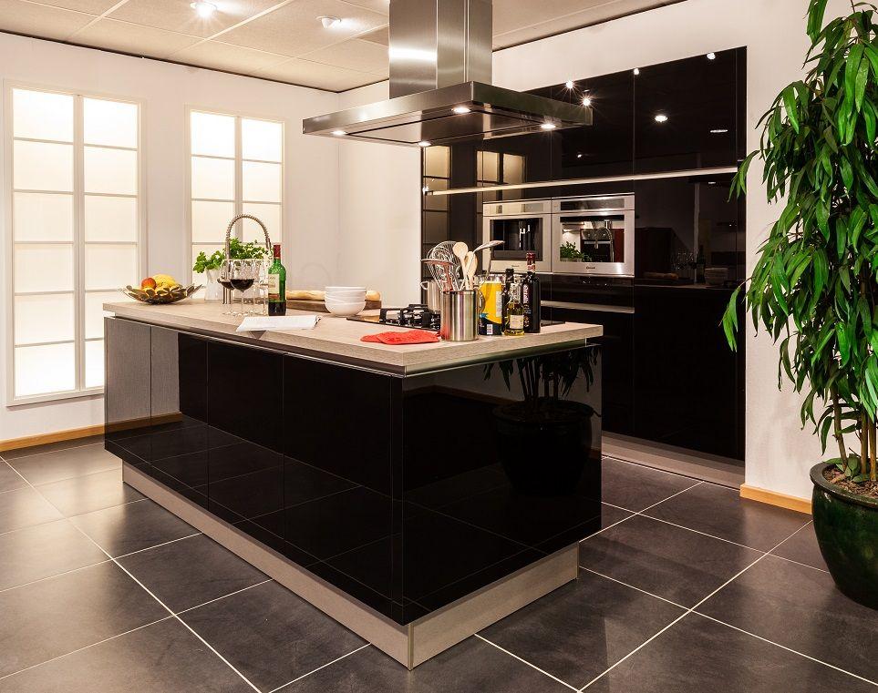 Hoogglans Keuken Zwart : Hoogglans zwarte keuken vd belbin