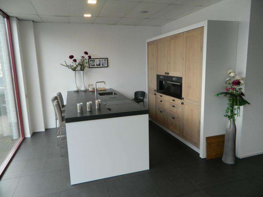 Allergrootste keukensite van nederland stoere massief houten keuken 55883 - Centrale eiland houten keuken ...