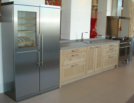 Keuken Met Amerikaanse Koelkast : van Nederland Houten keuken met Amerikaanse koelkast [56431
