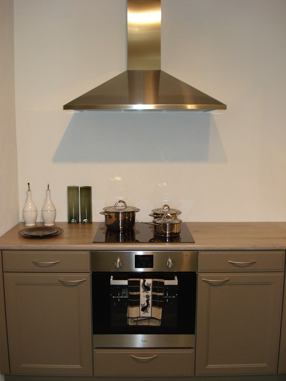 allergrootste keukensite van nederland keller keuken met whirlpool apparatuur. Black Bedroom Furniture Sets. Home Design Ideas