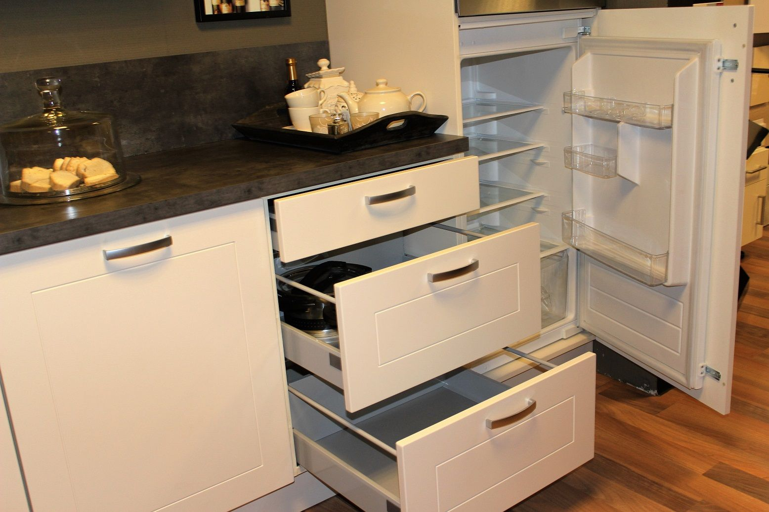 Allergrootste keukensite van nederland rechte keuken magnolia 47362 - Keuken in lengte ...