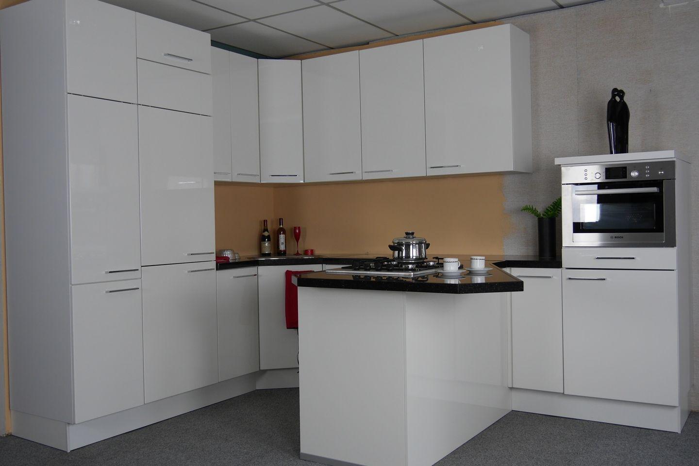 Allergrootste keukensite van nederland luxe u vormige hoogglans keuken x12 - Model keuken wit gelakt ...