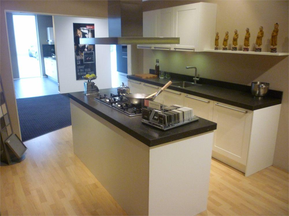 Allergrootste keukensite van nederland kader wit met hout kookeiland 55521 - Model keuken wit gelakt ...